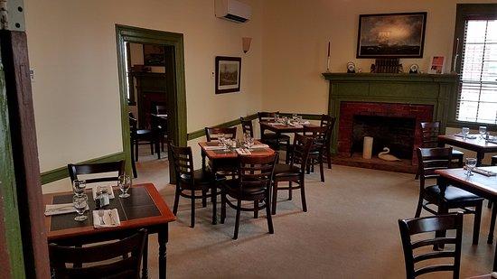 ปรินเซสแอนน์, แมรี่แลนด์: Front dining room