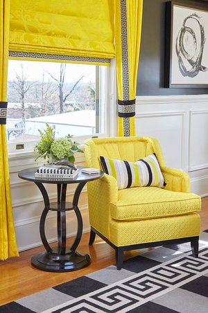 High Point, NC: The Tobi Fairley room