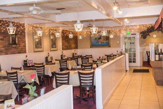 มิสชันเวจิโอ, แคลิฟอร์เนีย: Antonucci's Restaurant Dining Room