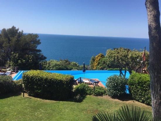 Cala Piccola, Itália: Scorci dell'hotel e della vista
