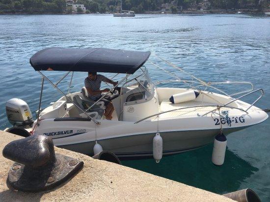 Slatine, Kroatien: Renta a boat
