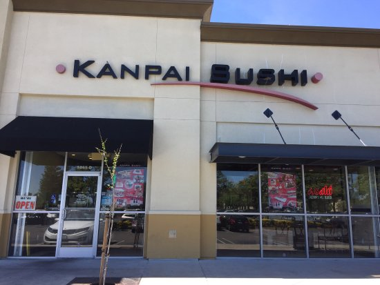 Antioch, Καλιφόρνια: Kanpai is right next to country waffles off lone tree