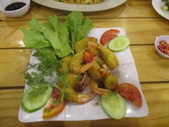 Rach Gia, Vietnam: Photo prise par guythu-dudelta _21581_170417_Gambas panées_Óc Văng_Rạch Giá_VN