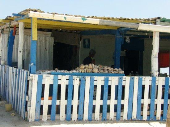 Coastal Islands, Venezuela: esta es la casita que les hable, venden esas ostras para llevar de recuerdo, a mucho menos de un