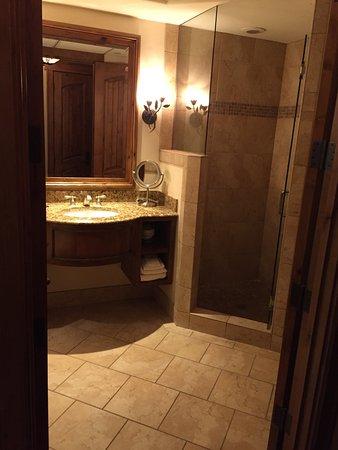 Tivoli Lodge: photo4.jpg