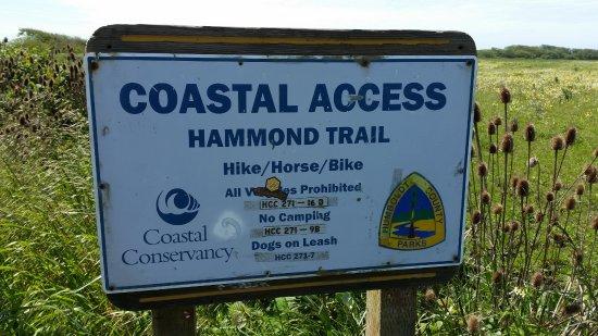 McKinleyville, แคลิฟอร์เนีย: trail sign