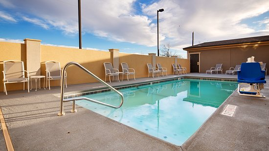 Colorado City, TX:   Soak up the sun and take in the views while relaxing in our outdoor pool.