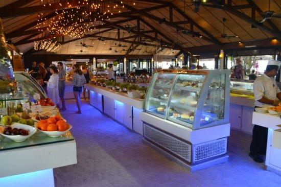 Lily Beach Resort & Spa: The breakfast buffet