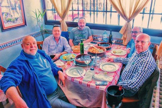 Ponteareas, สเปน: lampreada entre buenos amigos de calatayud