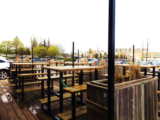 Outdoor patio picture of oar house sports bar and grill for Balcony grill and bar