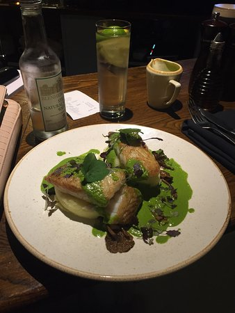 Henley in Arden, UK: Superb Cod dish! Highly recommended.