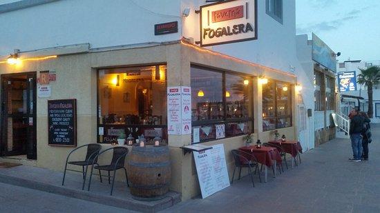 Taverna fogalera picture of taverna fogalera corralejo - Mobile bar taverna ...