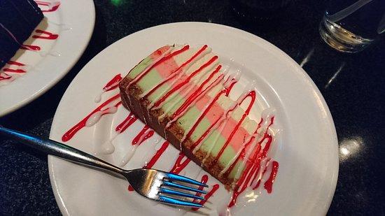 Perrysburg, OH: cheesecake pistache