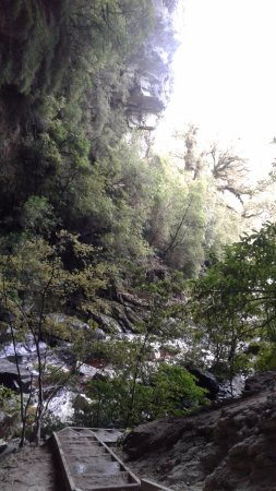 Karamea, Neuseeland: Looking down river from entrance