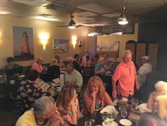 Sundae Cafe Confirm Best Restaurant On Tybee Island Crab Cakes Between Fried Green Tomatoes