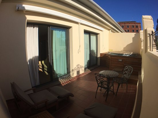 The Westin Valencia: Private terrace with hot tub