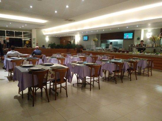 Chapeco, SC: interior do restaurante