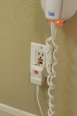 Travelodge Anaheim Convention Center: dryer plug a bit worn