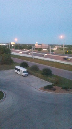 Comfort Inn and Suites : Highway 35 easy access