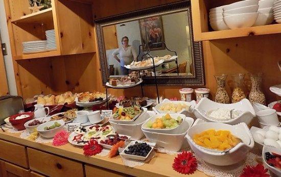 Depoe Bay, Oregón: The breakfast buffet.