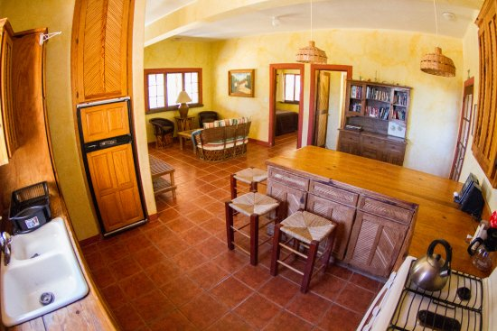 Baja Bungalows : Lower Main House