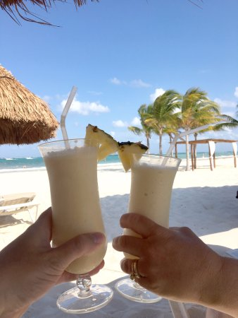 Secrets Maroma Beach Riviera Cancun: Cheers to a great vacation at Secrets Maroma Beach!