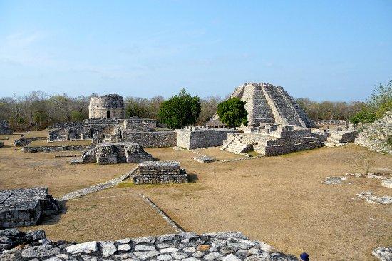 Mayapan Mayan Ruins : No one there.