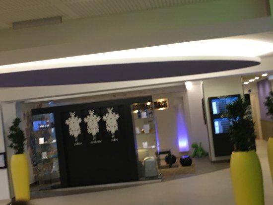 Opfikon, Szwajcaria: Novotel Zurich Airport Messe