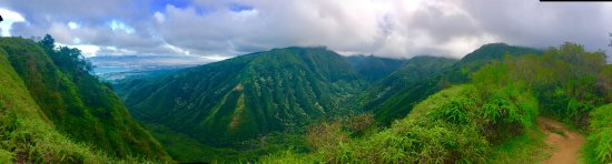 Haiku, Χαβάη: Hiking to the clouds in West Maui Mountains.