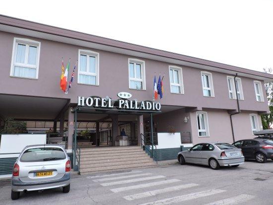 Malcontenta, Ιταλία: Extérieur de l'hôtel