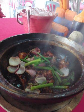 Kajang, Malaysia: Chicken with Wine