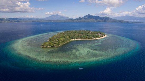 Siladen Resort & Spa: Siladen Island View