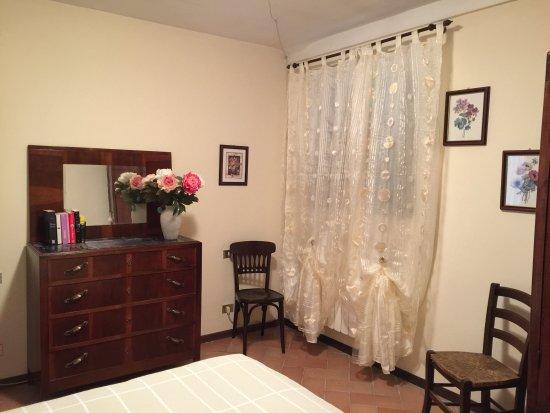 """Castelnuovo Berardenga, Italia: Camera appartamento """"del nonno"""""""