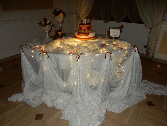 Tavolo della torta 18 anni picture of ristorante licciardi apice tripadvisor - Addobbi tavoli per 18 anni ...
