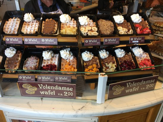 Woltje's Backerij: Wafel chocolate crunch (nutella e noccioline) Squisito!