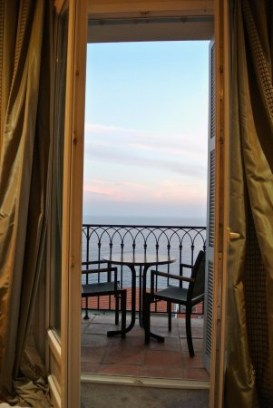 Hotel La Perouse: Room 404