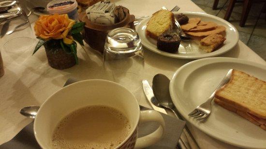 Pollein, Itália: colazione