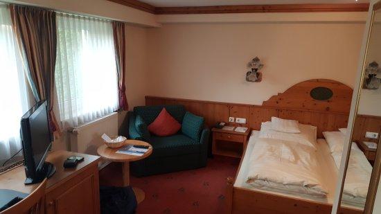 Fruhstuck Aufs Zimmer Bild Von Hotel Am See Neutraubling