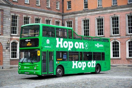 DoDublin: Hop on hop off Do Dublin Bus Tour - Dublin Castle