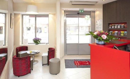 Hotel de France Gare de Lyon Bastille: Réception et lobby de l'Hôtel de France