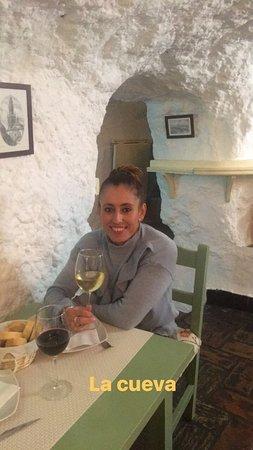 Restaurante meson la cueva en carmona for Restaurante la cueva zamora
