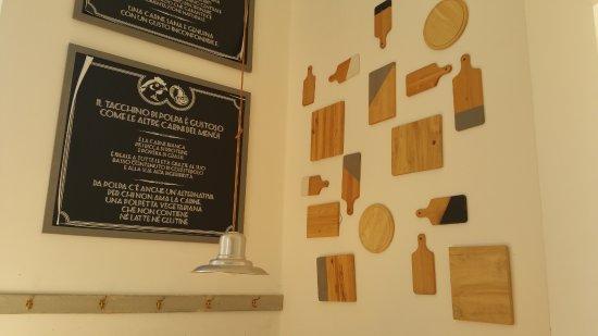 Pareti Con Fotografie : Decorazioni pareti con taglieri bild von polpa burger trattoria