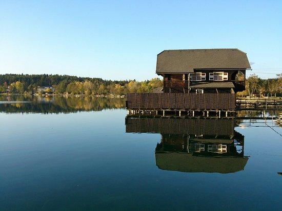 Sankt Kanzian, ออสเตรีย: Herbst am See