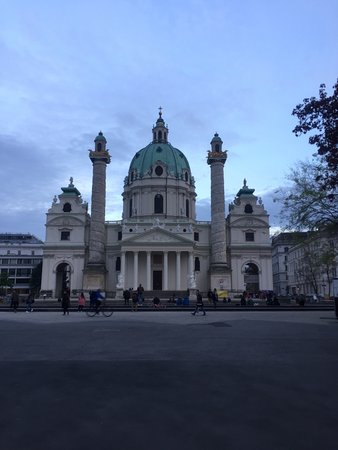 Karlsplatz: photo0.jpg