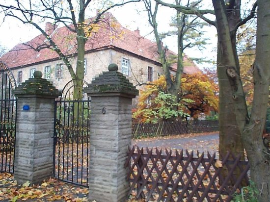 Lauenau, Duitsland: The main entrance (gate) of the castle.