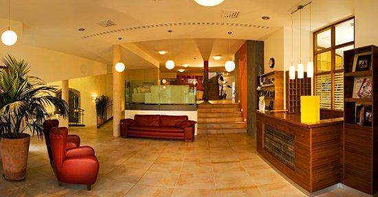 Eingangsbereich Mit Gemütlichen Lounge Sesseln Bild Von Hotel