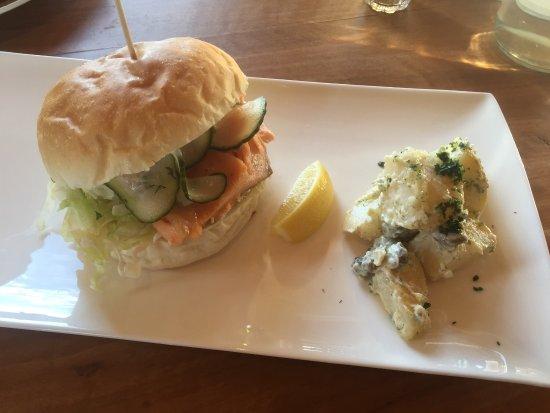 Dunalley, Australien: Salmon Burger