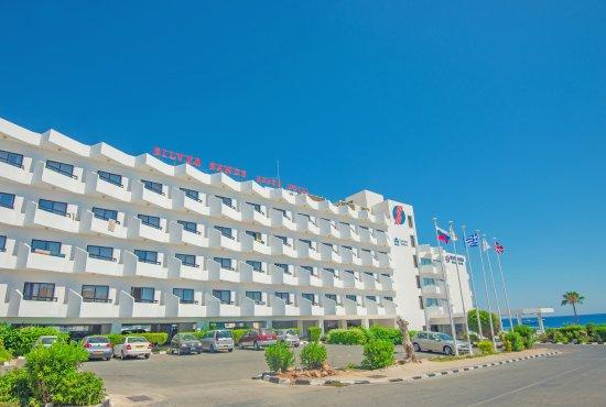 Silver Sands Beach Hotel Photo