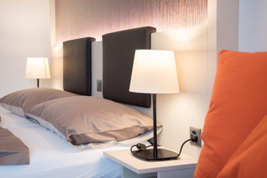 Hotel Restaurant Jardin : Zimemr Bett