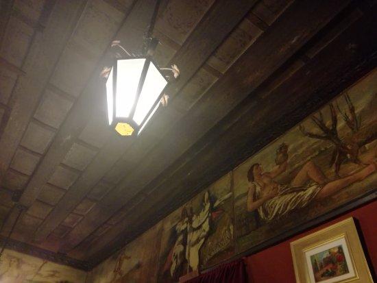Antica Trattoria Poste Vecie : lanterna interna al locale